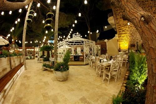 مطعم رجب أوسطا في ازمير