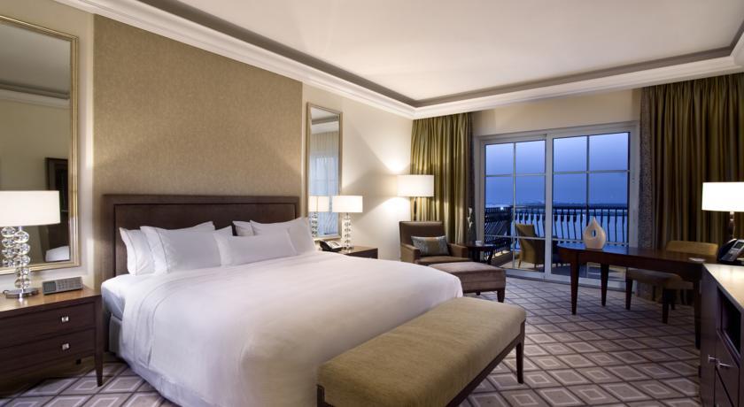 ﻣﻨﺘﺠﻊ ويستن دبي شاطئ الميناء السياحي