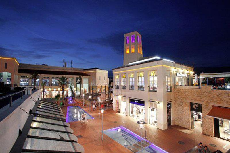 مجمع فوروم بورنوفا للتسوق في ازمير
