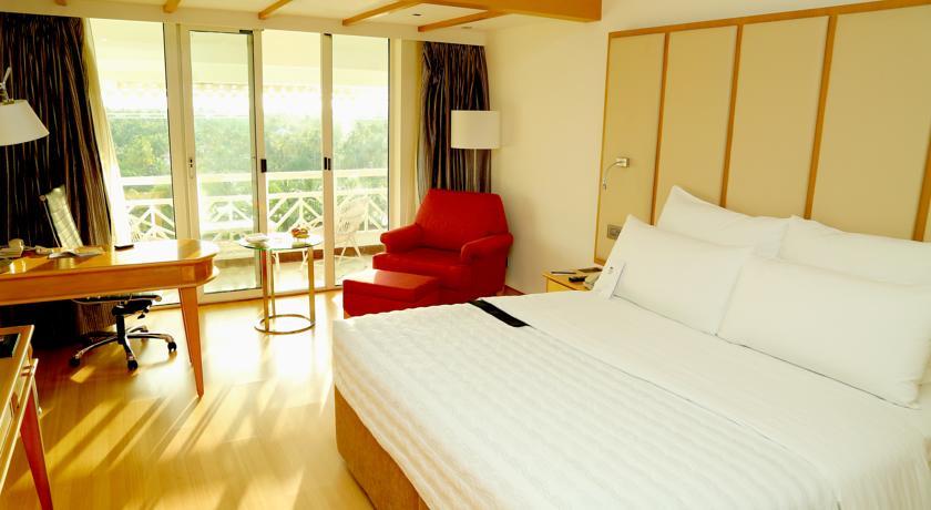 سنجيبك على معظم الأسئلة المتعلقة بحجز فنادق الهند كيرلا