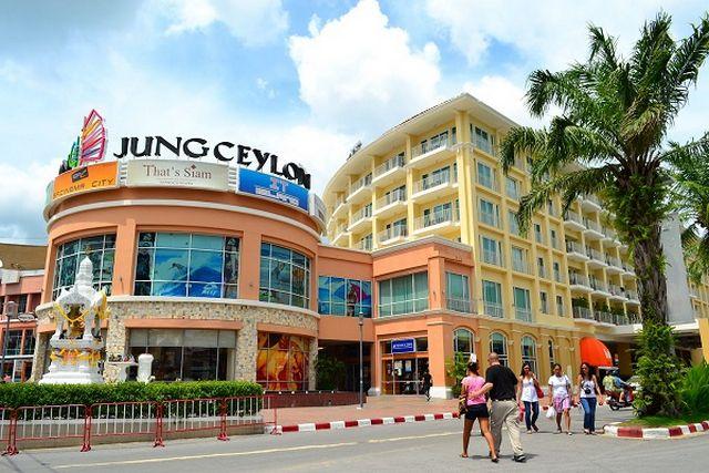 أشهر مراكز التسوق في بانكوك ويقع المول في قلب منطقة