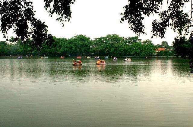 بحيرة سيتو باباكان السياحة في جاكرتا