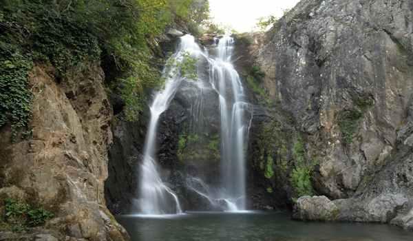 رحلة الى يلوا تركيا لزيارة شلال صودوشان ضمن برنامج سياحي في يلوا تركيا