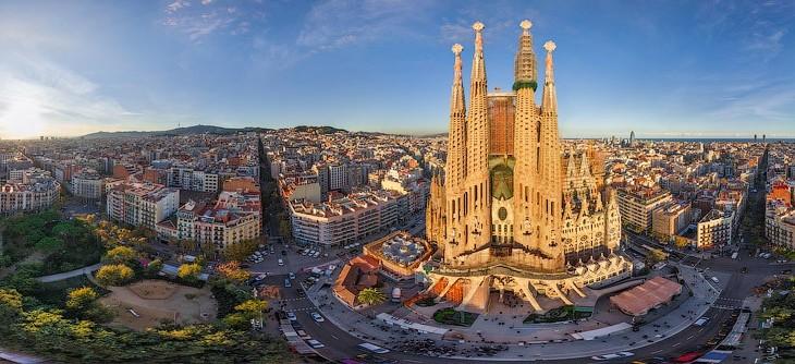 اهم 10 اماكن سياحية ننصحك بزيارتها في برشلونة
