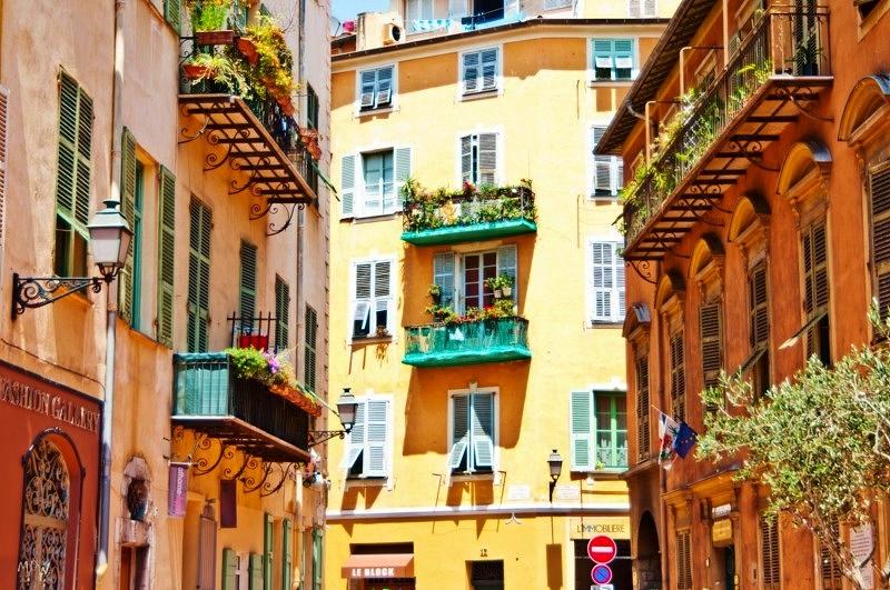 البلدة القديمة نيس الفرنسية