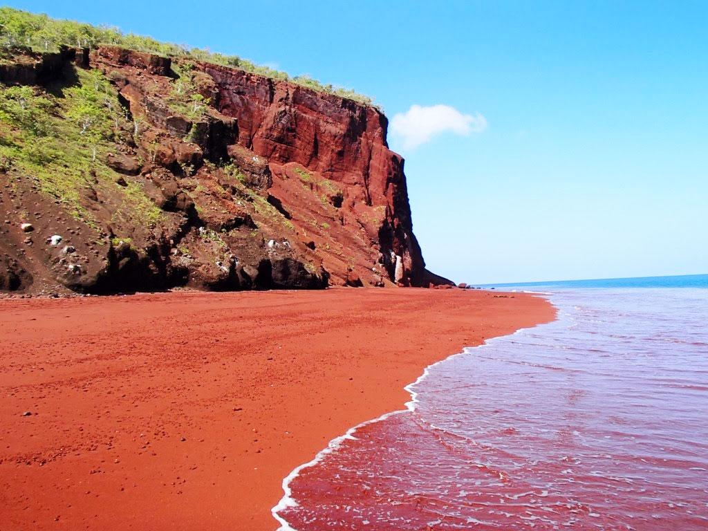 الشاطئ الاحمر سانتوريني