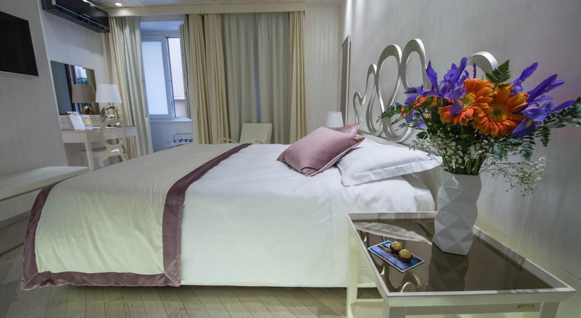 فندق كارافيتا