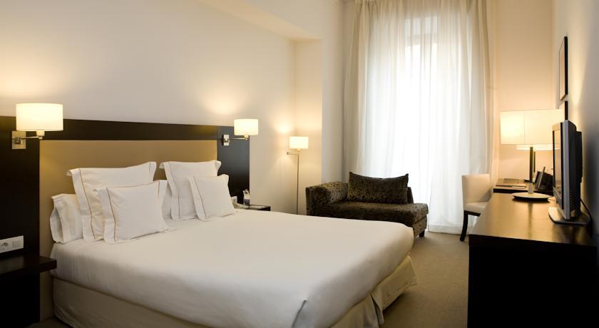 فندق مولينا لاريو