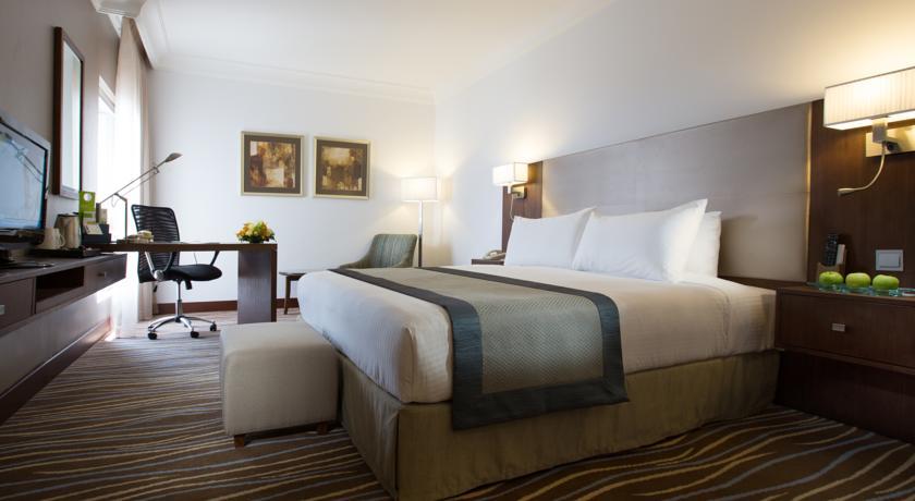 فندق هوليداي إن أبوظبي داون تاون