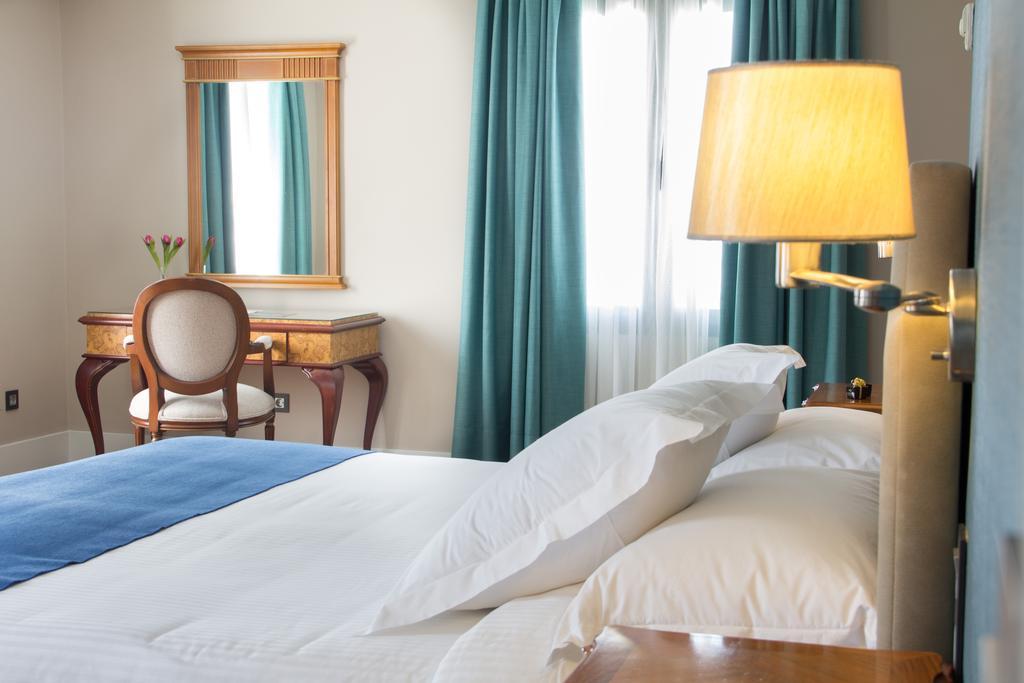 كل ما تريد معرفته عن فنادق في ماربيا اسبانيا