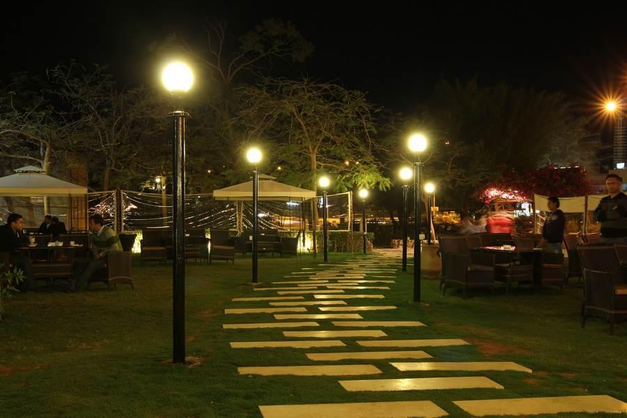 مطعم موجو يتميز مطعم موجو بموقعه أمام البحر وبكونه افضل مطاعم شرم الشيخ