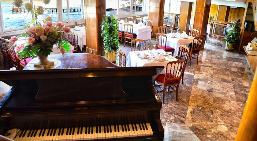 مطعم سان جيوفاني من اقدم و افضل مطاعم الاسكندرية ويتميز بأجوائه الرومانسية