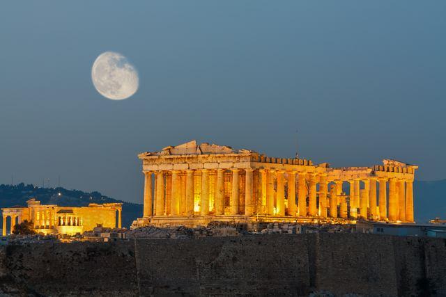 الاكروبوليس من اجمل اماكن اثينا سياحة