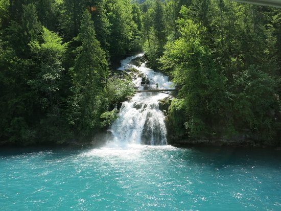 بحيرة برينز سويسرا انترلاكن