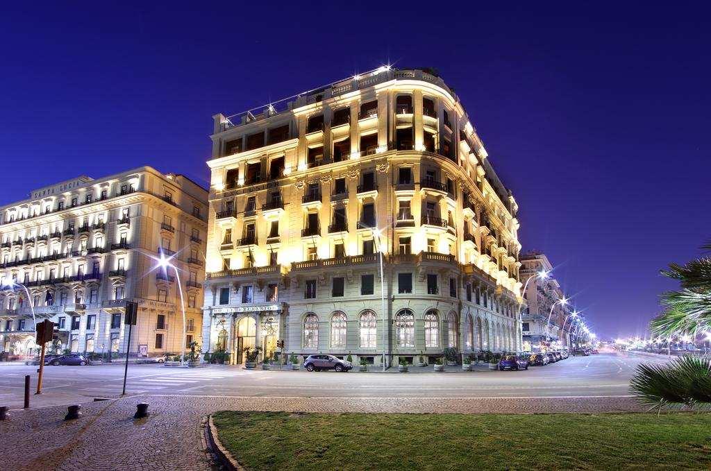 فنادق ايطاليا نابولي