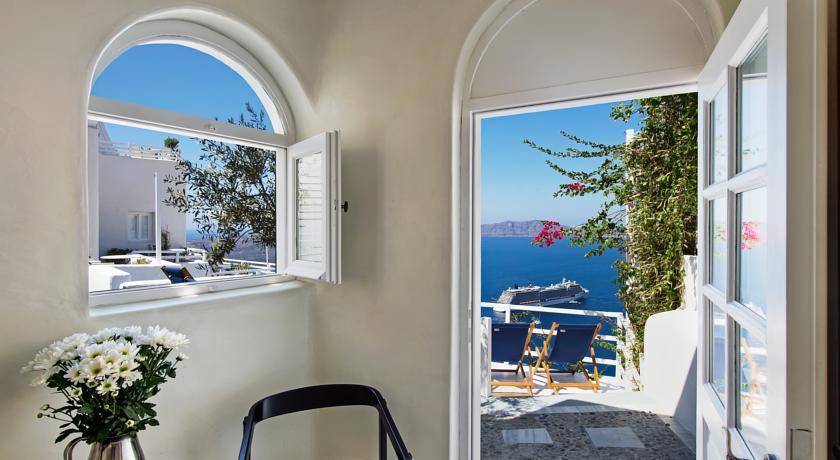 فنادق في سانتوريني رائعة وبإطلالات بحرية ساحرة