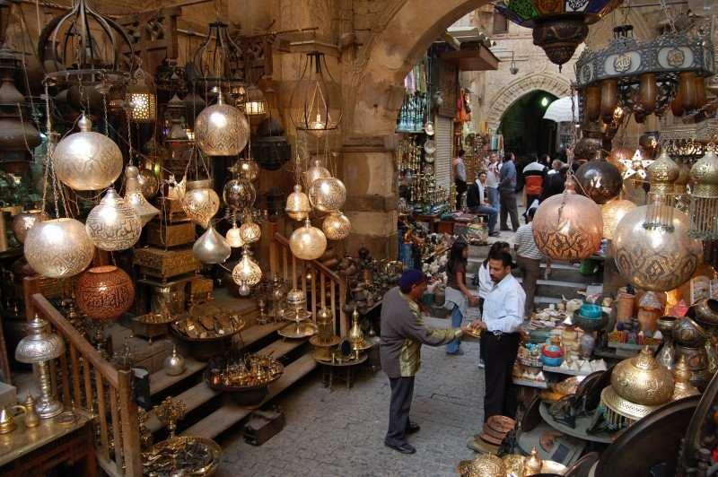 خان الخليلي من اكبر واهم الاسواق الشعبية في القاهرة مصر