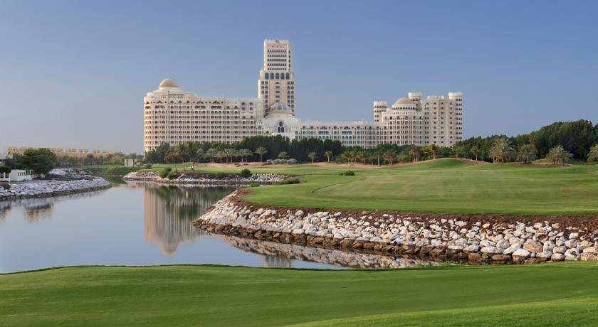 فندق والدورف أستوريا رأس الخيمة من ارقى فنادق راس الخيمة يتميز بموقعه الذي يبعد 50 دقيقة عن مطار دبي الدولي