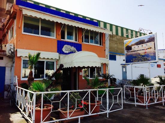 مطعم أوستري من افضل مطاعم المغرب الدار البيضاء