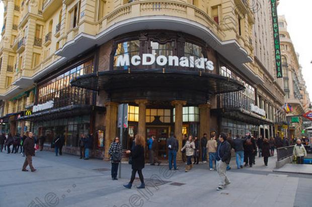 شارع غران فيا من اجمل الاماكن السياحية في مدريد اسبانيا