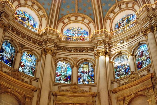 كاتدرائية غرناطة من اجمل معالم السياحة في اسبانيا