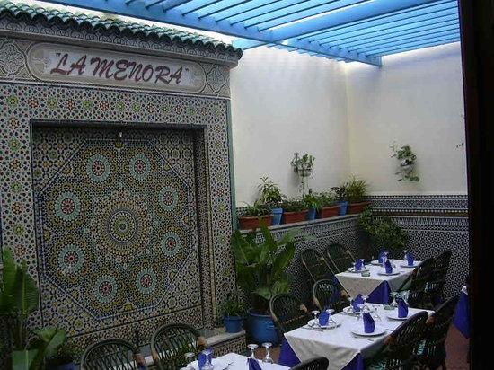 مطعم الشمعدان من اشهر مطاعم مدينة الرباط المغرب