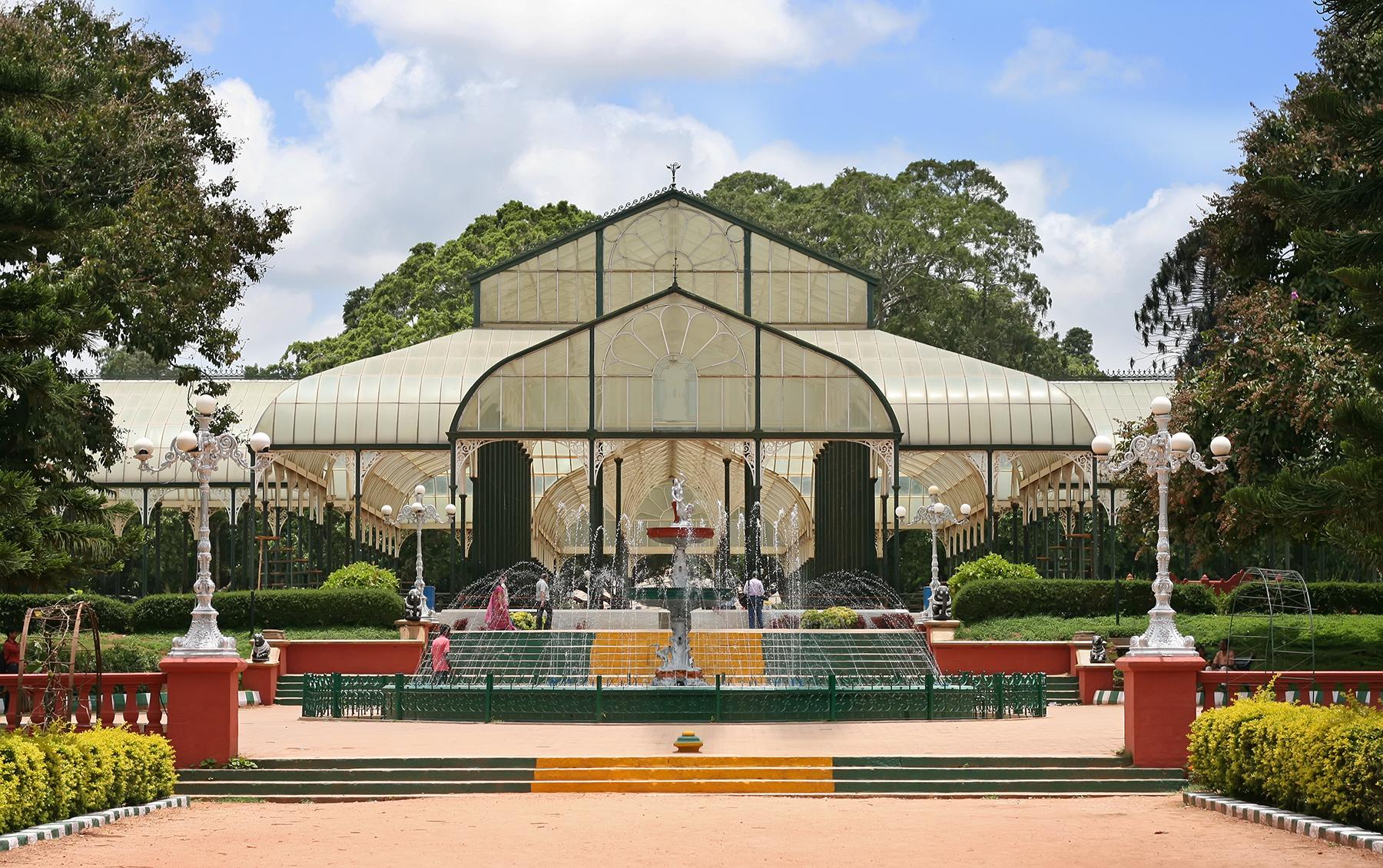 البيت الزجاجي في حديقة لال باغ بنجلور