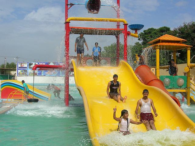 العاب مائية حدائق لومبيني في بنجلور