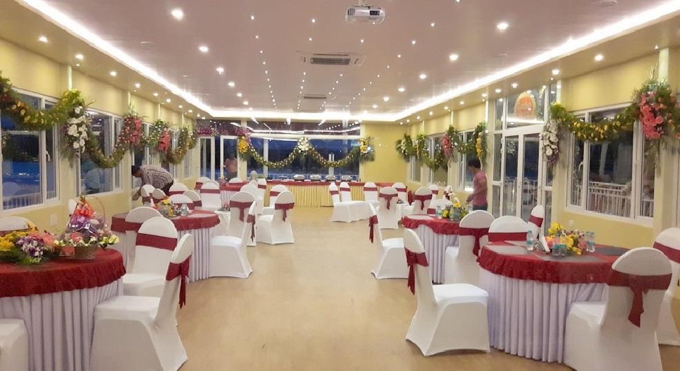 مطعم في منتزه حدائق لومبيني