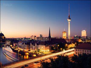 برج برلين من اهم الاماكن السياحية في مدينة برلين المانيا