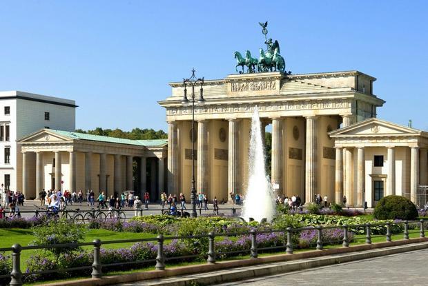 بوابة برلين من اشهر معالم برلين السياحية