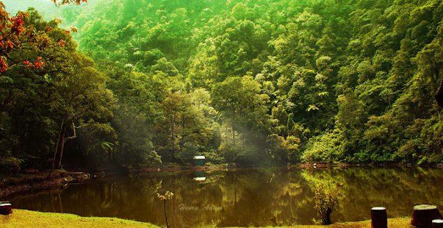 البحيرة الملونة في بونشاك