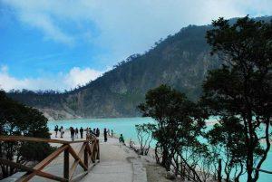 تعرف في المقال على افضل الانشطة في بحيرة كاواه بوتيه ، احدى اهم اماكن السياحة في باندونق اندونيسيا