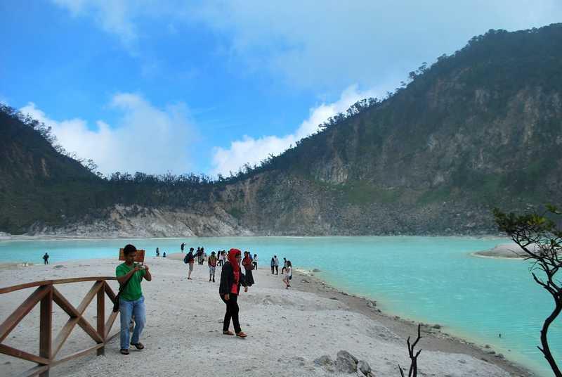 بحيرة كاواه بوتيه من اجمل اماكن السياحة في باندونق اندونيسيا