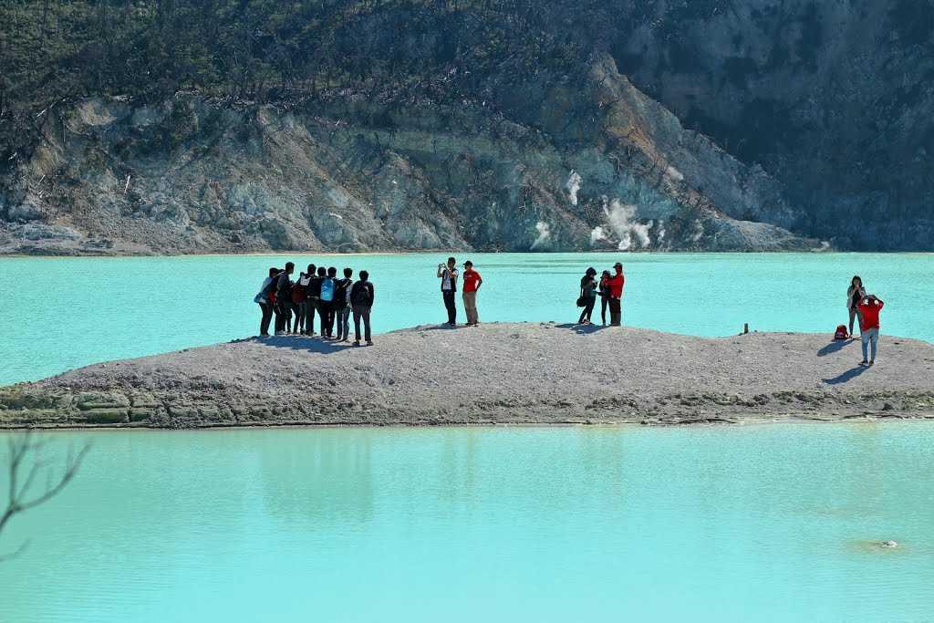 بحيرة كاواه بوتيه من اجمل الاماكن في مدينة باندونق اندونيسيا