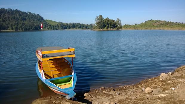 بحيرة سيتو باتينقان من افضل اماكن سياحية في باندونق اندونيسيا