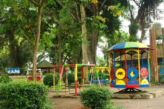 حديقة حيوان باندونق في اندونيسيا