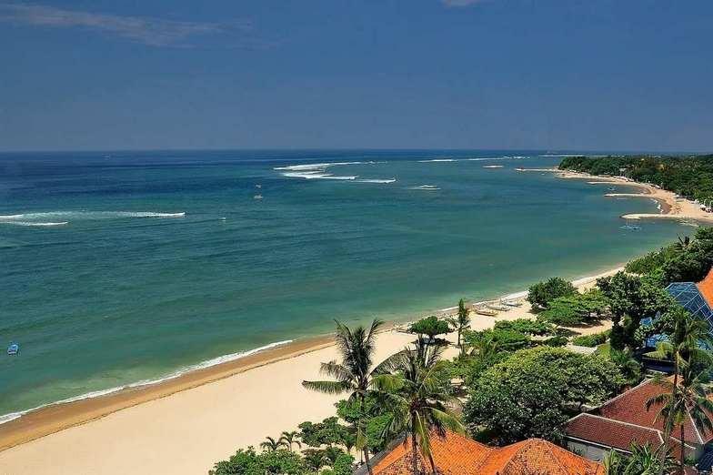 شاطئ كوتا بالي احدى اجمل شواطئ بالي اندونيسيا