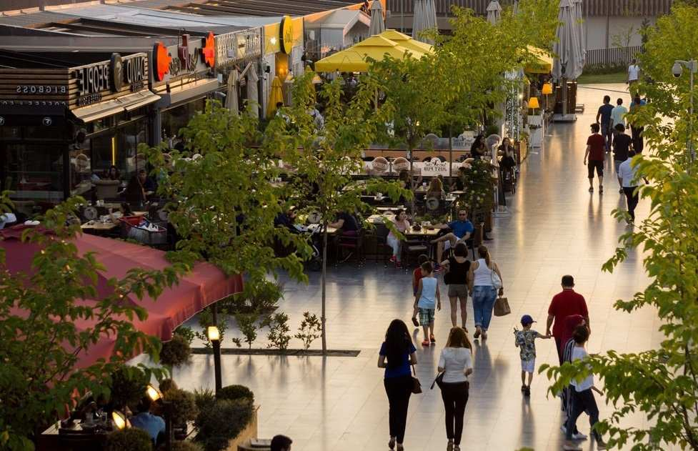 مركز التسوق والترفيه بوديوم بارك في مدينة بورصة تركيا