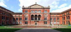 متحف فيكتوريا وألبرت في لندن من اشهر الاماكن السياحية في لندن انجلترا