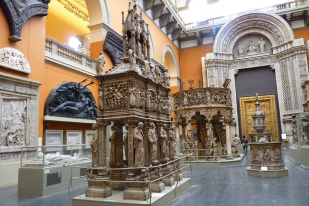 متحف فيكتوريا وألبرت بلندن انجلترا