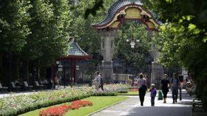 حديقة الحيوانات في برلين تعتبر من اشهر الاماكن السياحية في برلين المانيا