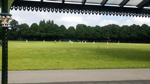 الكساندرا بارك مانشستر من اجمل حدائق انجلترا في مانشستر