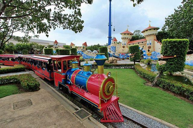 دريم وورلد من افضل اماكن سياحية في بانكوك