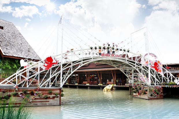 السوق العائم في بتايا من اجمل اماكن السياحة في تايلاند