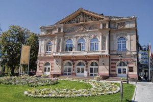 مسرح بادن بادن من اجمل اماكن السياحة في بادن بادن المانيا