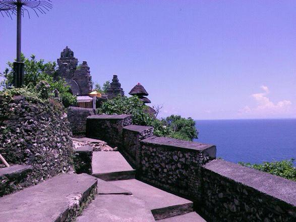 معبد أولو واتو في جزيرة بالي