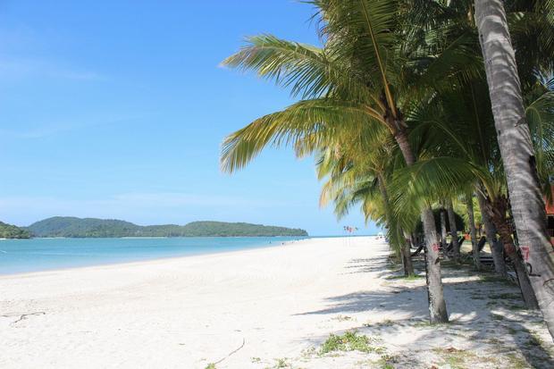 شاطئ سينانج في لنكاوي