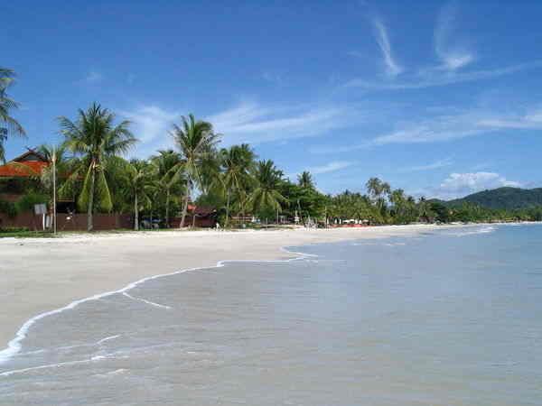 شاطئ سينانج لنكاوي من المناطق السياحية في لنكاوي