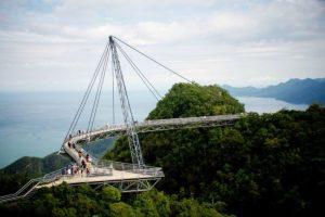 تعرف في المقال على افضل الانشطة السياحية عند زيارة جسر لنكاوي سكاي في ماليزيا ، بالإضافة الى افضل فنادق لنكاوي القريبة منه